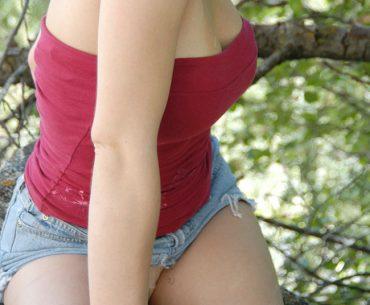 BBW girl outdoor looking to hookup
