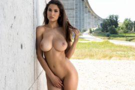 Women big tits men's fixation